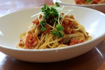 トマトとシメジとツナのスパゲッティ