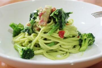 オーマイプレミアム 彩々野菜 ほうれん草クリーム ベーコンと緑の野菜